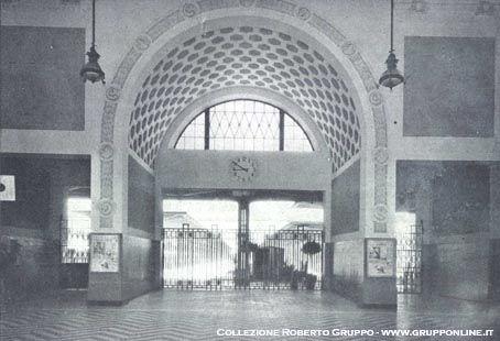 L'atrio della stazione di Ostia