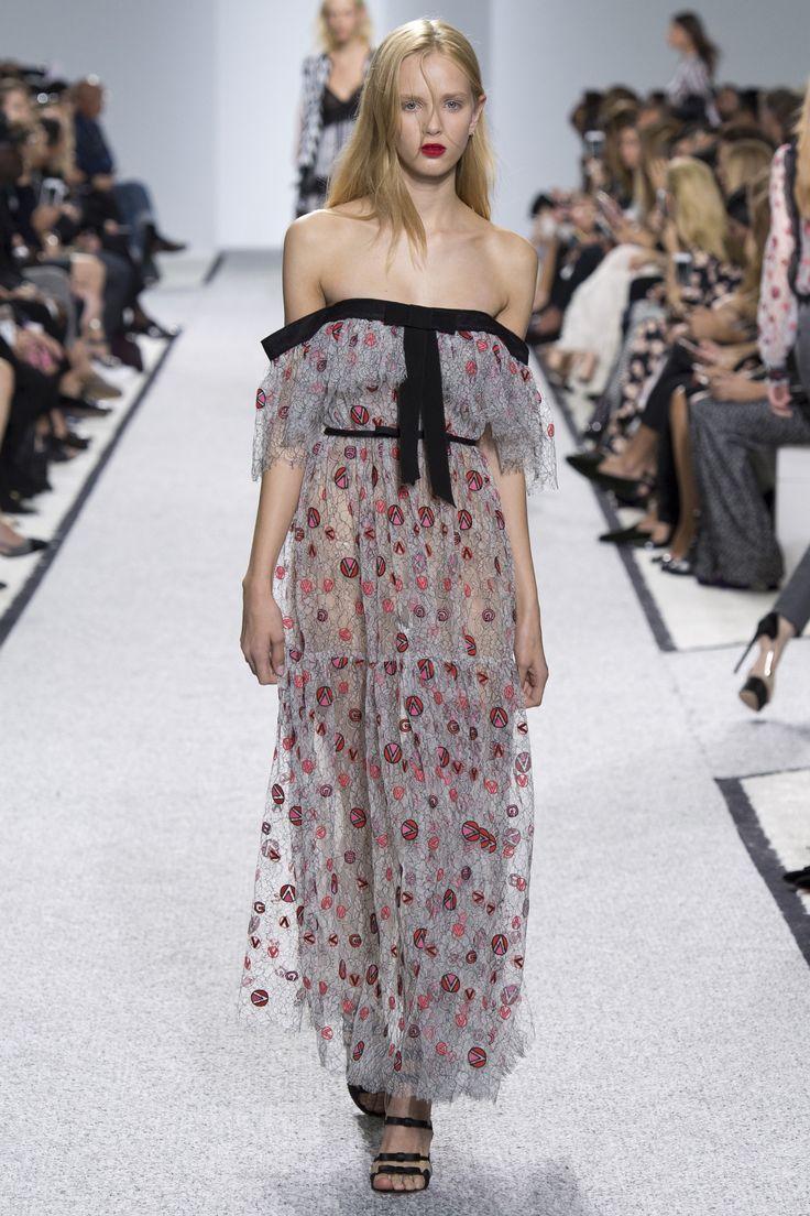 Giambattista Valli Spring 2017 Ready-to-Wear Collection Photos - Vogue