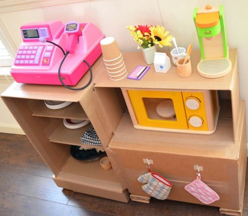 Crafting with cardboard.: Cardboard Cafe, Crafts Ideas, Children Toys, Cardboard Ideas For Kids, Cardboard Boxes Ideas For Kids, Cafe K-Cup, Plays Kitchens, Cardboard Crafts, Cardboard Boxes Crafts
