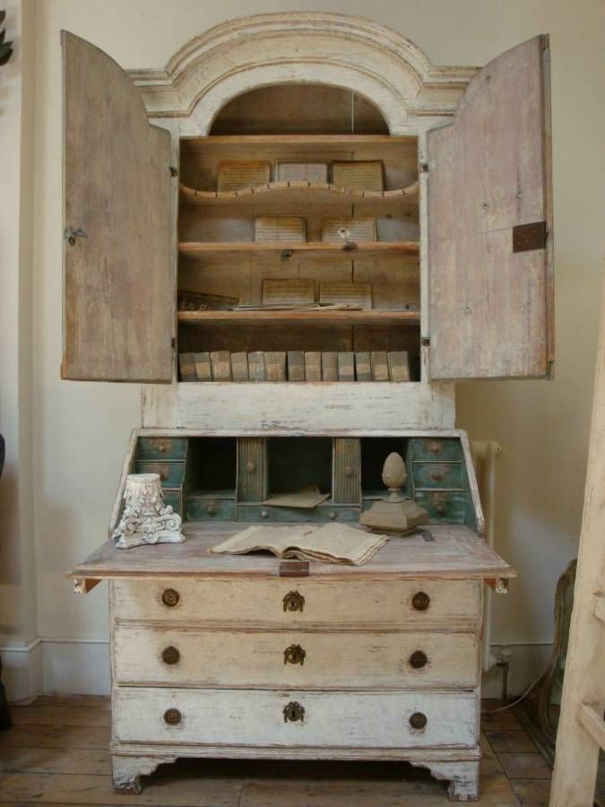 18th century Swedish Secretaire - a beautiful piece! in Furniture from Appley Hoare