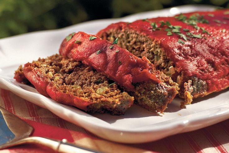 This Southern meatloaf recipe features Creole and Greek seasonings and a hint of garlic. A few tablespoons of Worcestershire sauce spice up the traditional ketchup topping.Watch: How To Make Old-fahsioned MeatloafRecipe: Old-fashioned Meatloaf
