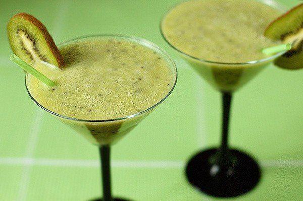 Embedded image Wady @MyBestRecipes22  Nov 30 Smoothie of kiwi https://t.co/buBwUgTyOfhttp://best-cooking.biz/smoothie-of-kiwi/