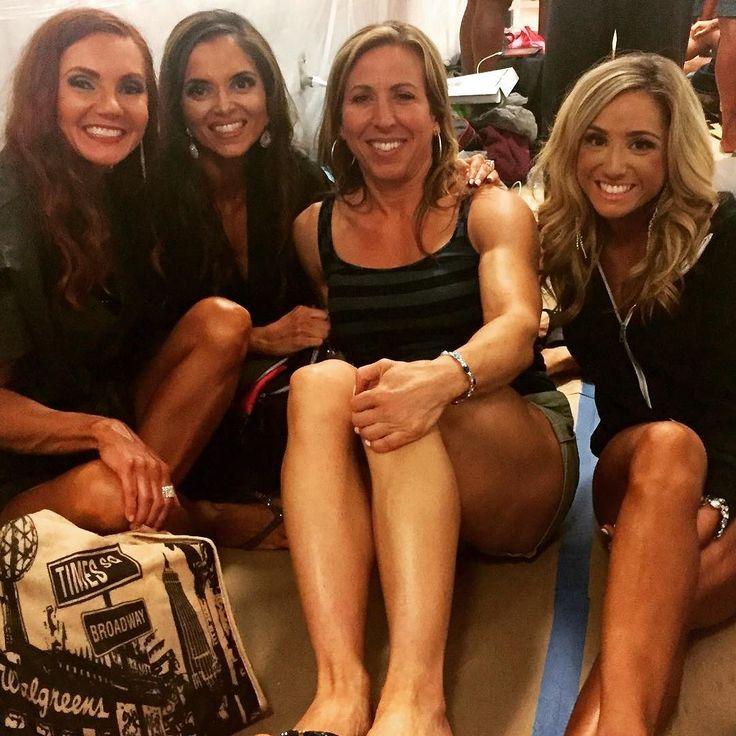 I truly love being a backstage momma bear to my athletes. #lindamstephens #contestprep #goals #posing #instagram #lindamstephens #training #compete #proud #ifbbpro #ifbb #npc #bikini @thesupergym @bevsgym @npcnewsonlineofficialpage @panthersportsnutrition1 @warhammer_gym_gear @iconmeals #mommabear @megcerreta
