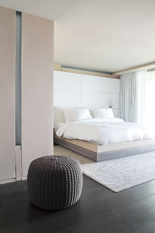 White & Natural Bedroom | Modern Minimalist Interiors | Contemporary Decor Design #inspiration #nakedstyle