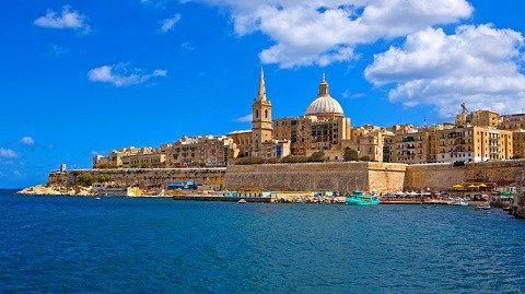 Отдых на Мальте - Вид на столицу Мальты — Валетту со стороны Средиземного моря