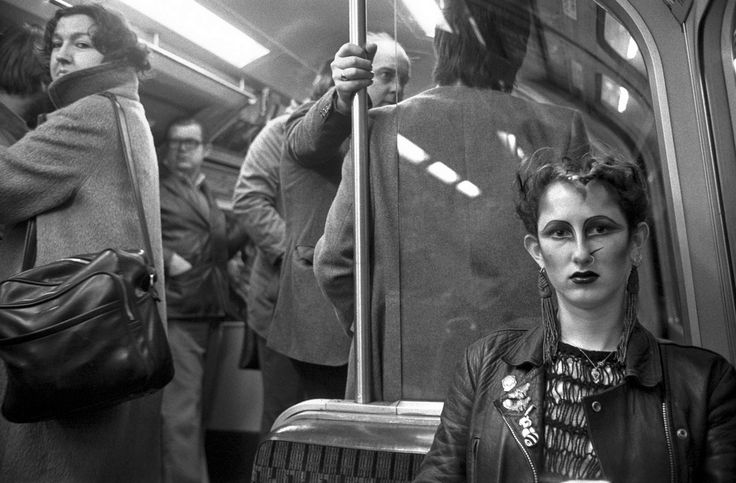 26 Delightful Pictures Of The London Underground In The '70s And '80s
