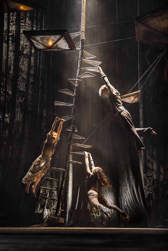 The Toad Knew | James Thierrée / Compagnie du Hanneton.(Circus,dance and theatre) http://www.eif.co.uk/2016/toadknew Image © Richard Haughton