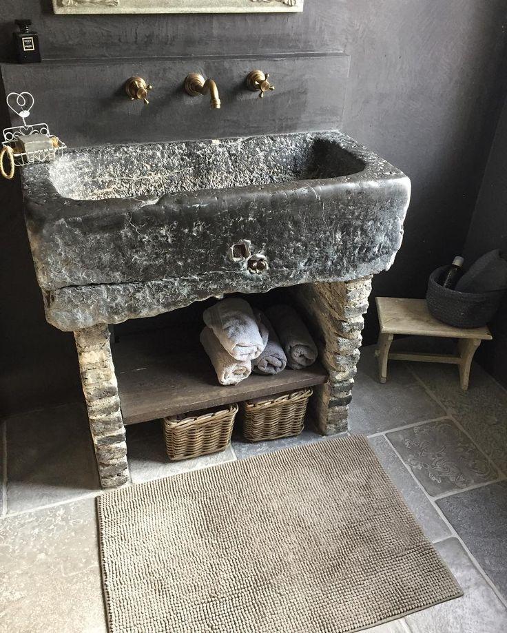 Oude trog badkamer.. #landelijkestijl#landelijkwonen#mystyle#bathroom#mortex#notmypic#inspiration