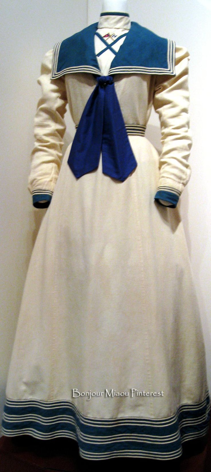 Middy dress, American, 1897. Linen and cotton embroidered with the New York Yacht Club insignia. Preservation Society of Newport County via Laurie Gorelick Interiors blog.