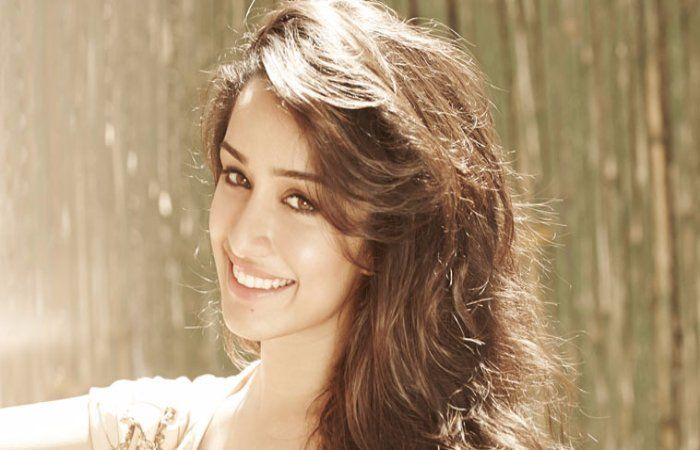#ShraddhaKapoor Reveals How her Parents Reacts on Rumored Link-Ups