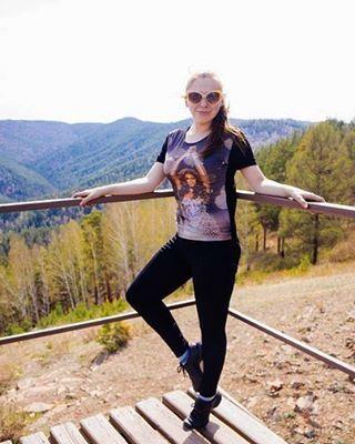 Утро воскресенья создано для тихого счастья! Наполнить свою жизнь энергией легко! Достаточно только благодарить, быть отзывчивой и уметь улыбаться каждому лепестку! :-) . #томск #красноярск #утро #nature #free #dream #travel #foxgroup #foxtour #siberia #instagirl #region70 #tour #tomsk http://tipsrazzi.com/ipost/1514218442105770769/?code=BUDlaaCD1MR