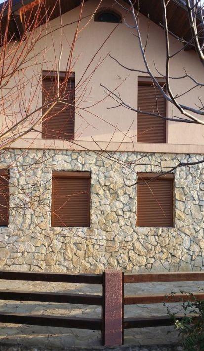 Un nou proiect realizat de partenerii nostri include rulouri, cu rol vital in protectia impotriva intemperiilor. Mai multa inspiratie gasesti pe: http://www.fereastraveka.ro/proiecte/proiecte_parteneri_veka