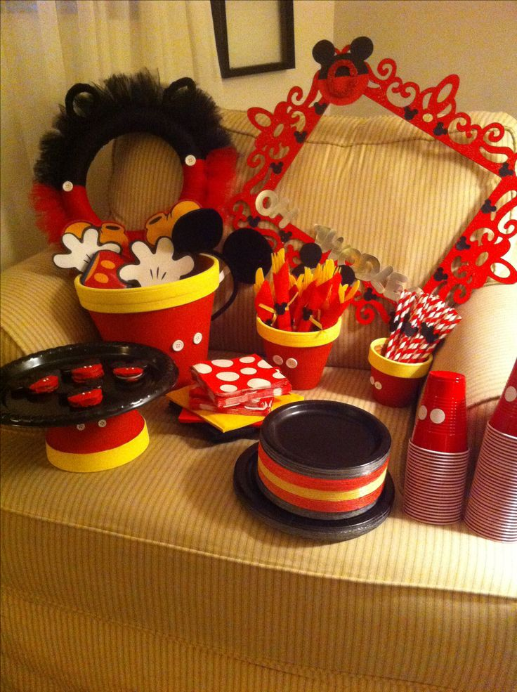 137 best images about mickey mouse party on pinterest for Deco mickey