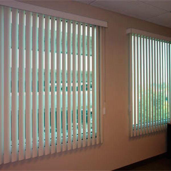 Window treatments vertical blinds vertical blind for Shades for small windows