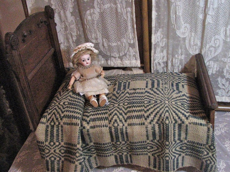 dating antique coverlets for beds