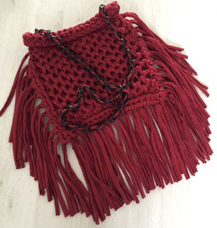 Handmade Tasche via Hand knit sweaters. Click on the image to see more!