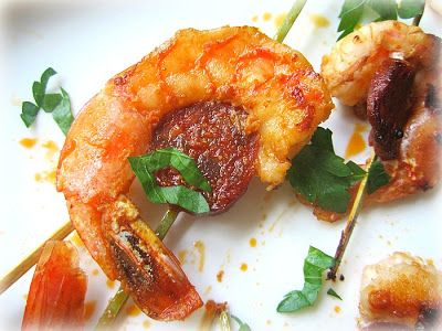 Shrimp & Chorizo Skewers: (adapted from Galley Gourmet)  1/2 pound medium shrimp, peeled and deveined 1 (7.9 ounce) package of Spanish chorizo, sliced into 1/4-inch rounds 2 cloves garlic, finely minced 1 teaspoon dried oregano 1 tbsp red wine vinegar 1/4 cup extra virgin olive oil, plus more for the pan 2 tbsp chopped fresh flat-leaf parsley