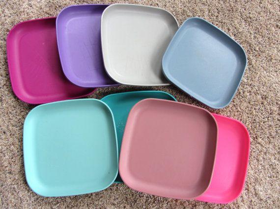 Set of 8 Vintage TUPPERWARE Colorful Lunch Plates Pink Aqua Purple Mauve & 161 best Tupperware Vintage images on Pinterest | Vintage tupperware ...