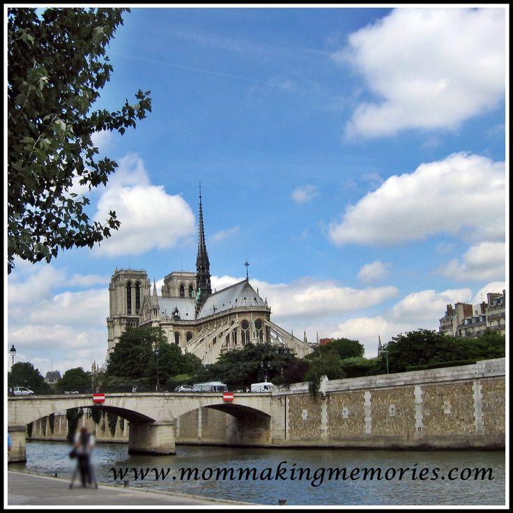 Notre Dame in Paris. www.mommakingmemories.com