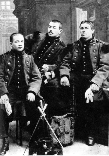 Jules Bonnot (à gauche) pendant son service militaire.