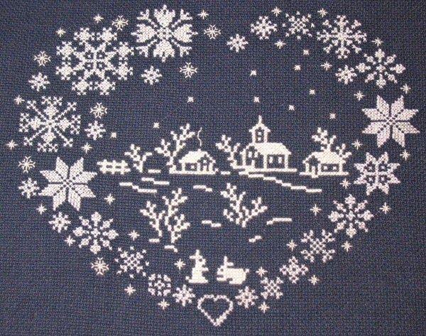 Hobby lavori femminili - ricamo - uncinetto - maglia: cuore natalizio punto croce filet