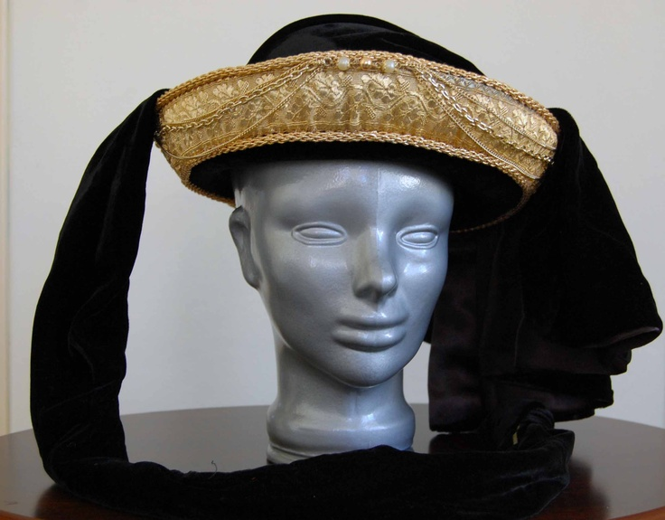 Vanetian Hat