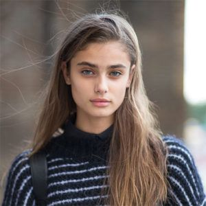Checkout American fashion model and current Victoria's Secret Angel Taylor Hill Weight, Height, Net Worth, Age, Boyfriend, Bra size, Hip, Wiki, Bio & more.