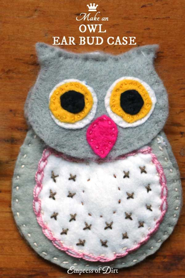 Make an ear bud case using this sweet owl pattern. This is a simple sewing project suitable for beginners who want to work with wool felt and embroidery thread.