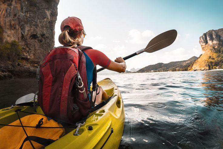 Aprovecha el buen tiempo para probar nuevas actividades al aire libre ¡y hazlo mojándote! Nosotros te proponemos la natación y el kayak, dos deportes completos, divertidos y refrescantes. ¿Estás preparada? Entra en www.vivesoy.com