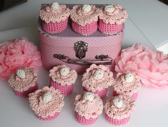 10 pochons dragées roses en crochet cupcakes