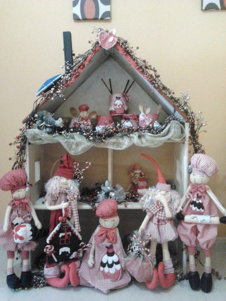 LLega la navidad a Carolas Artesania..tarros de cocina...duendes navideños...elfos...galletas de jengibre..bolsas guarda pan...y muchas cosas mas..