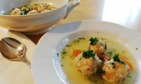 Ob Als Vorspeise Oder Als Hauptspeise Diese Deftige Suppe Schmeckt Auch Fur Vegetarier Gibt Es Eine Leckere Variante In 2020 Suppen Vorspeise Und Hauptspeise