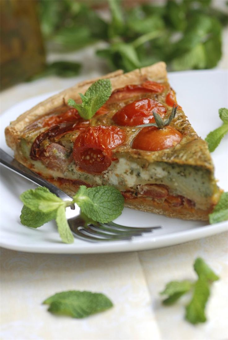 Tomato, Roasted Pepper, Goats Cheese and Pesto Quiche