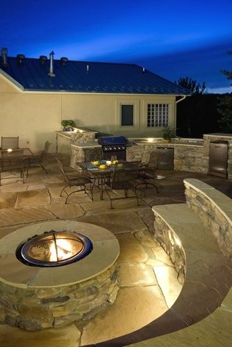 Components of an Outdoor Kitchen - Del Sol Pool