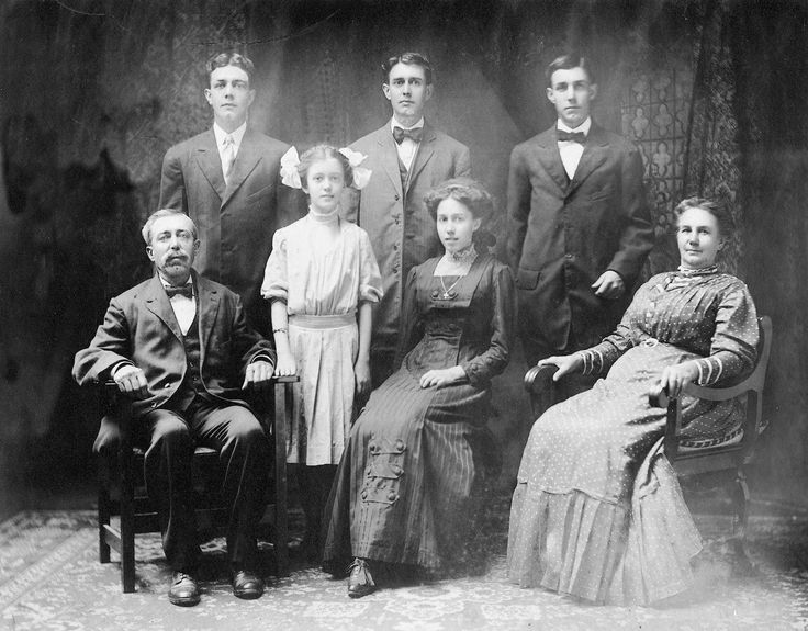 family photo with his 5 children and his wife abigail
