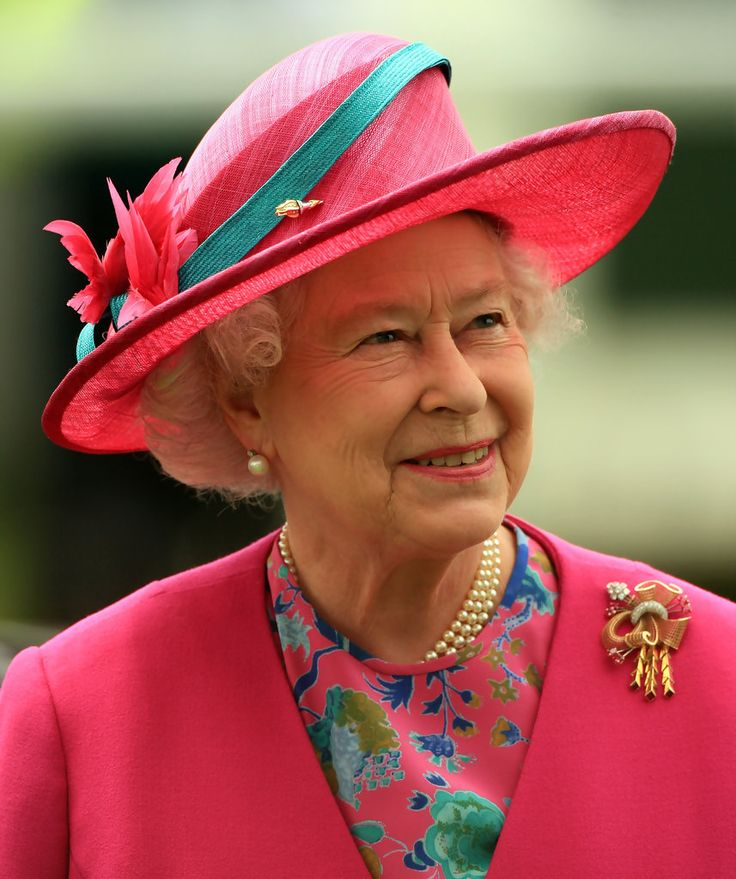 The Queen at the Epsom Derby on 7th June 2008, she is wearing her gold, ruby & diamond brooch that was a wedding present in 1947.