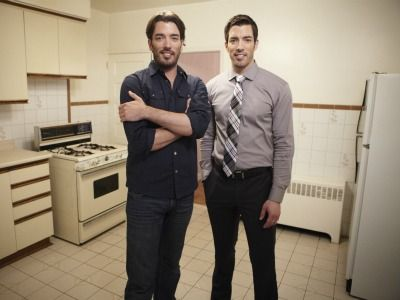 Property Brothers' Johnathan and Drew.  I want Johnathan .such a sweet cutie. Too bad he's too young, And I am way married. Ah in another dream.