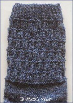 Dies ist das zweite Paar Socken aus der Spendenwolle von Nina , es kommt ebenfalls in meine Sammelkiste für das Obdachlosenheim der Nac...