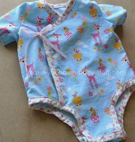 Free baby clothes pattern! Kimono style baby onesie printable pattern.