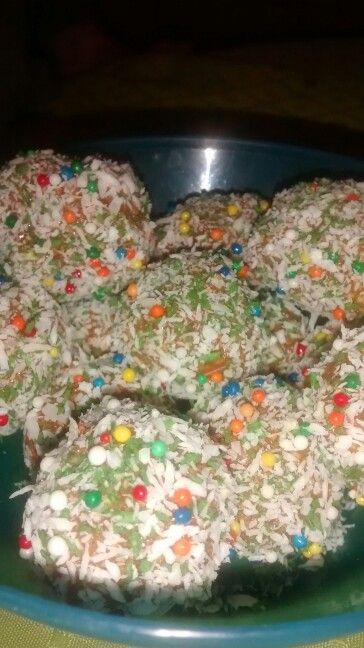 Cocadas coloridas... Mary CupCakes