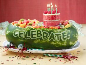 Watermelon carved to Celebrate: Fun Food, Happy Birthday, Watermelon Design, Watermelon Birthday, Fruit Cakes, Watermelon Carvings, Food Art, Parties Food, Birthday Cakes