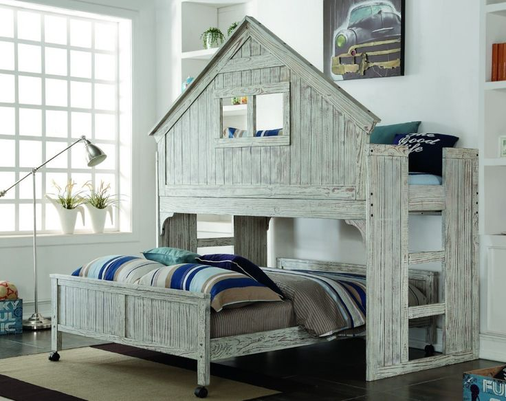Cool Bunk Beds with Twin/Full Club House Design
