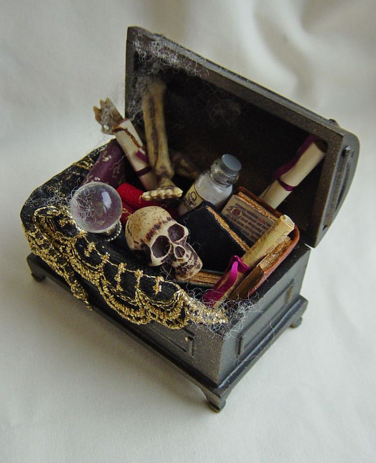 UNIQUE MINIATURES - WITCH WIZARD APOTHECARY 1 go to web site for other items inspiration