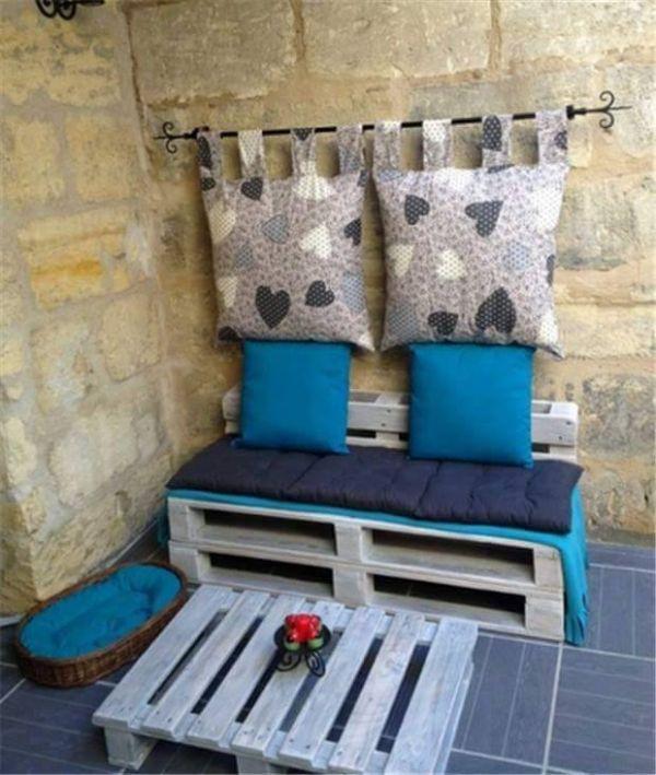 Sofa aus paletten kreatives wohnzimmer pinterest sofa aus paletten sofa und bett - Paletten wohnzimmer ...