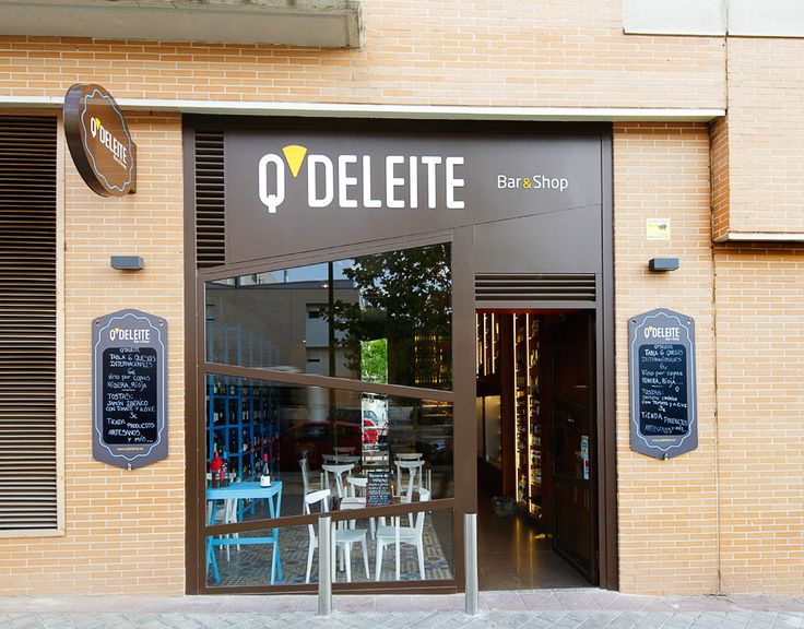 Mostaza Design | Q'Deleite | Madrid | Delicatessen Bar & Shop | Naming and Identity aplications | Façade | The cheese as a star | #retaildesign #mostazadesign #wine #chesse #shop #madrid #interiordesign #interiors #retail #delicatessen #façade