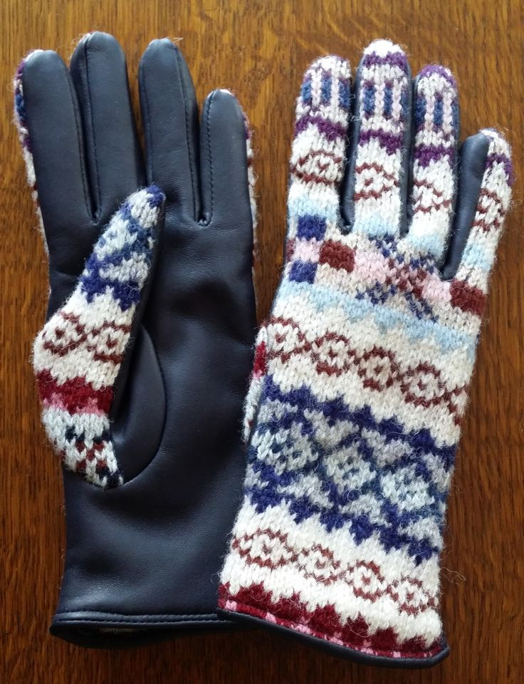 515-4 pattern with Navy leather palms.