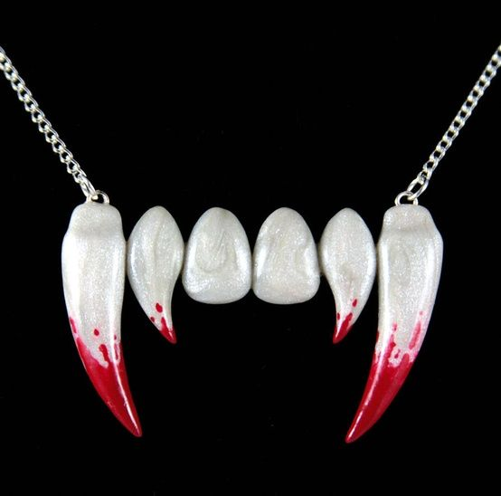 Polymeri Online - polymer Vampire teeth by Neverland Jewelry