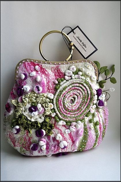 3D Felted Floral Bag Omg!