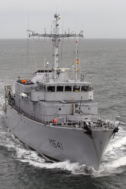 French Marine Nationale tripartite mine hunter (CMT) Éridan (M 641).