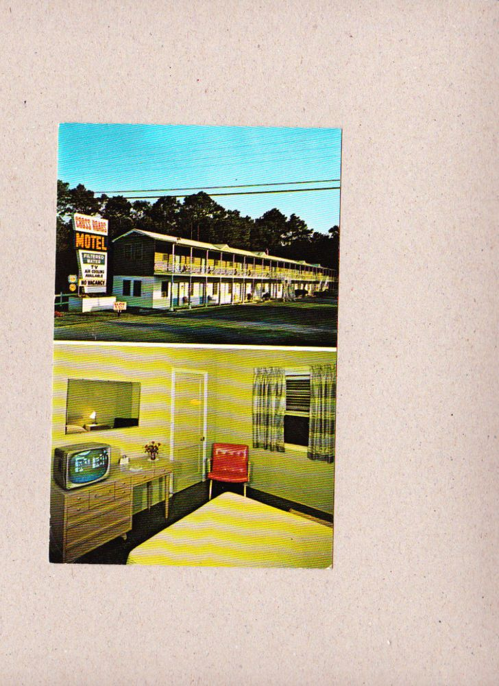 Vintage Postcard Cross Roads Motel Ocean City Maryland MD.I love the TV, chair and frameless mirror!